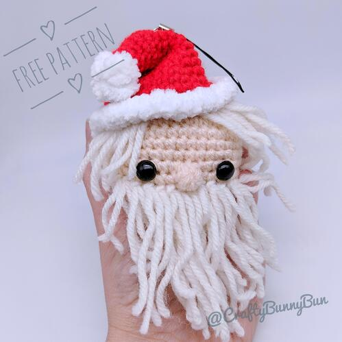 Little Cube Santa Amigurumi Pattern